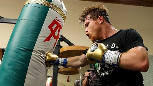 Canelo training on the heavy bag