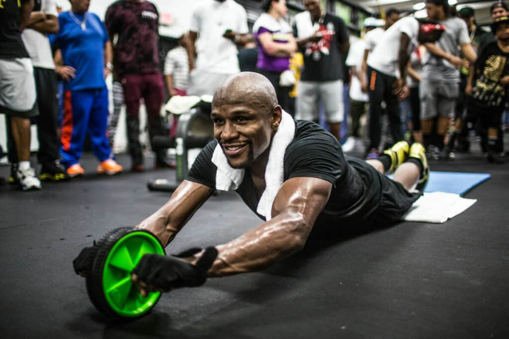 Mayweather working abs